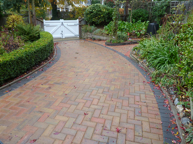 Gary Cooper Paving Autumn Gold Omega With Charcoal Border