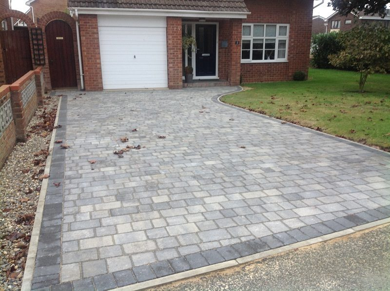 Gary Cooper Paving | Silver haze beta setts laid in 3 ...